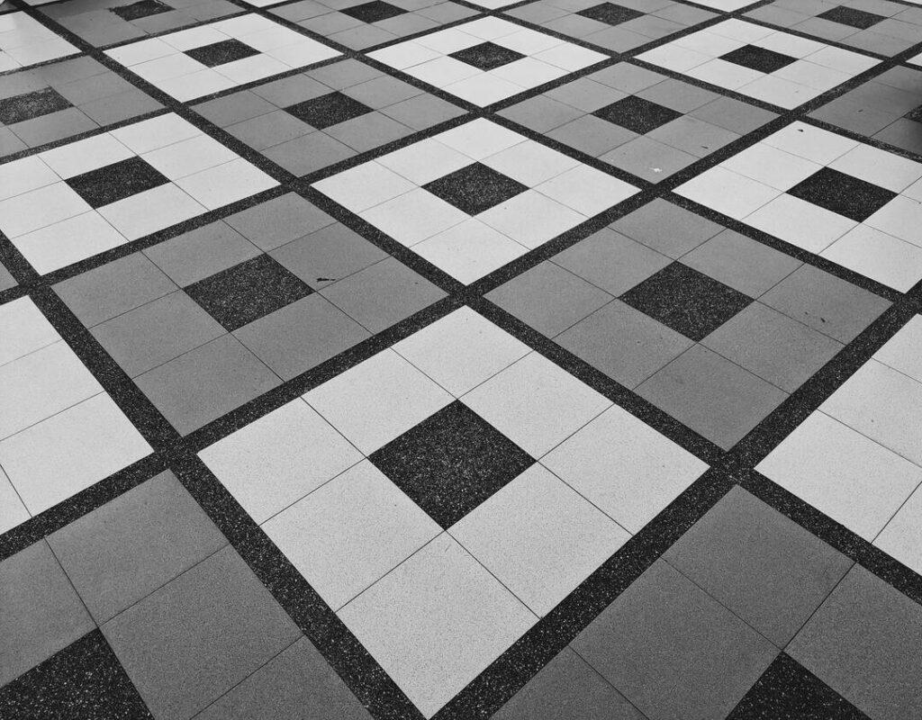 schwarz-weiß-Muster-Fliesen