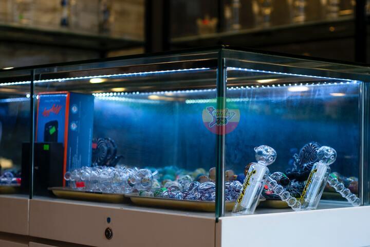 Aquarien auf Fliesen